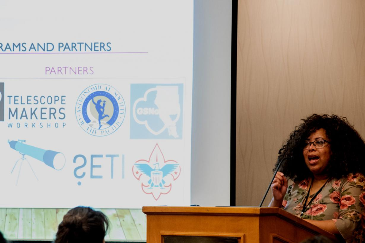 Lisa talks about program partners at a NISE Net conference